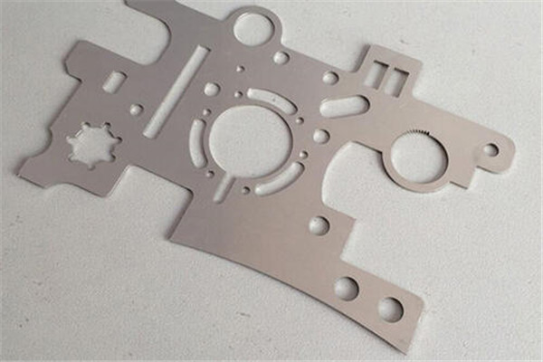 laser cutting on stainless steel 6